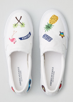 [Women] Embroidered patch sneaker