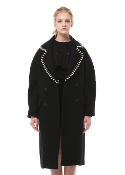 Beads collar detail coat