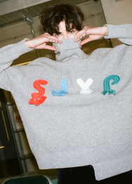 SJYP logo turtleneck knit top