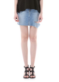One side cut denim skirt