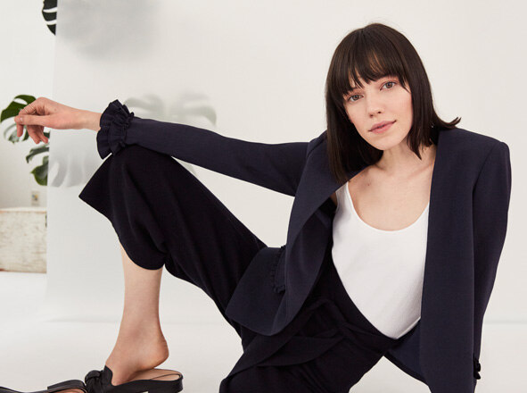 CLUB MONACO WOMEN <br>    SOFT POWER <br>    WOMEN'S OFFICE SHOP