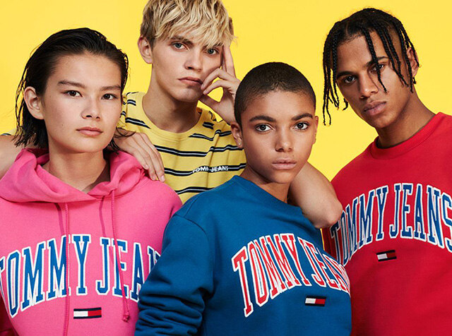 TOMMY JEANS<br> TURN UP THE BRIGHTS