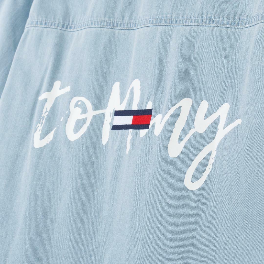 타미진스(TOMMY JEANS) [여성] 데님 오버핏 롱 셔츠 T31J6WSH035WT2 D10