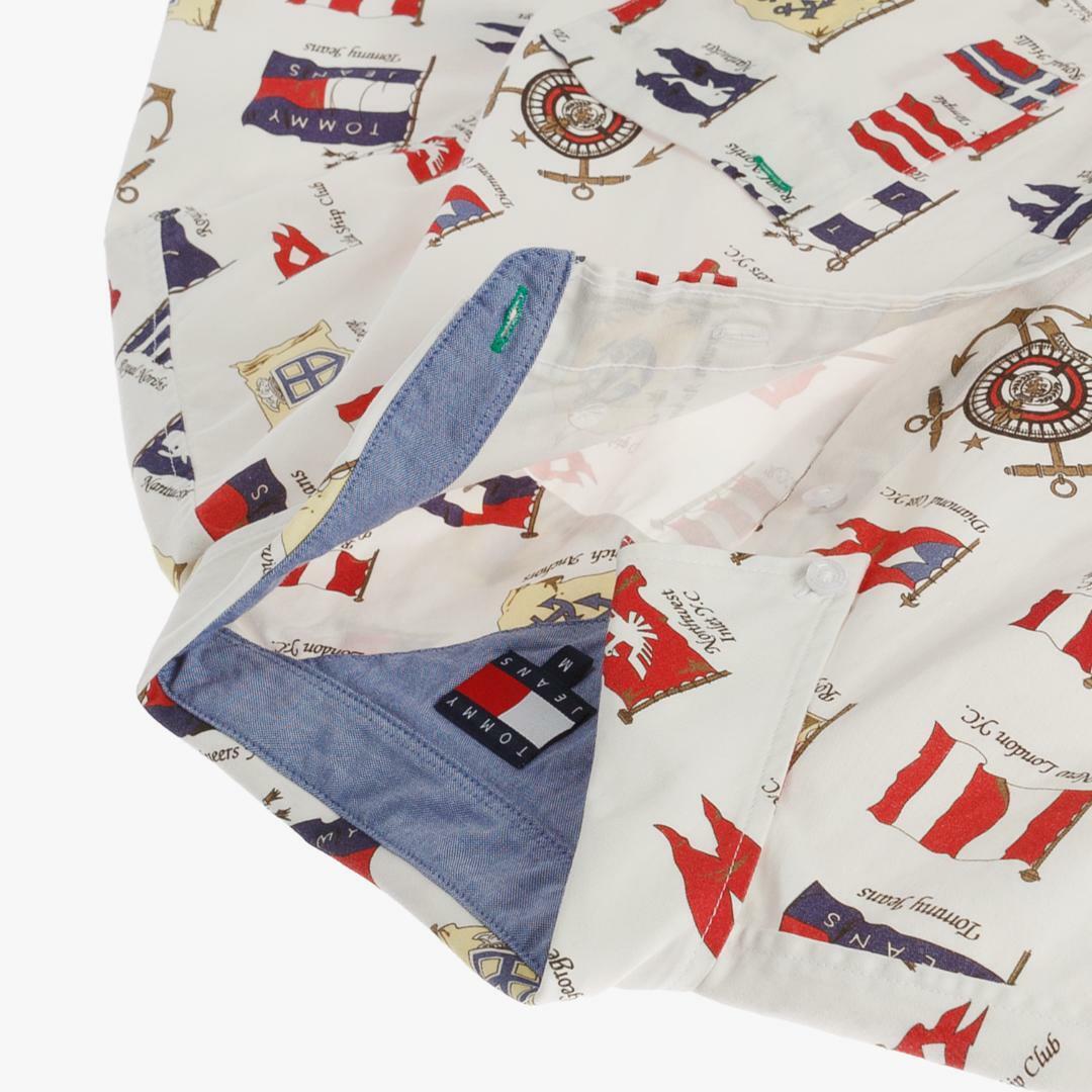 타미진스(TOMMY JEANS) [HERITAGE CAPSULE] [남성] 코튼 플래그 반소매 셔츠 T31J6WSH090MT1 YAG
