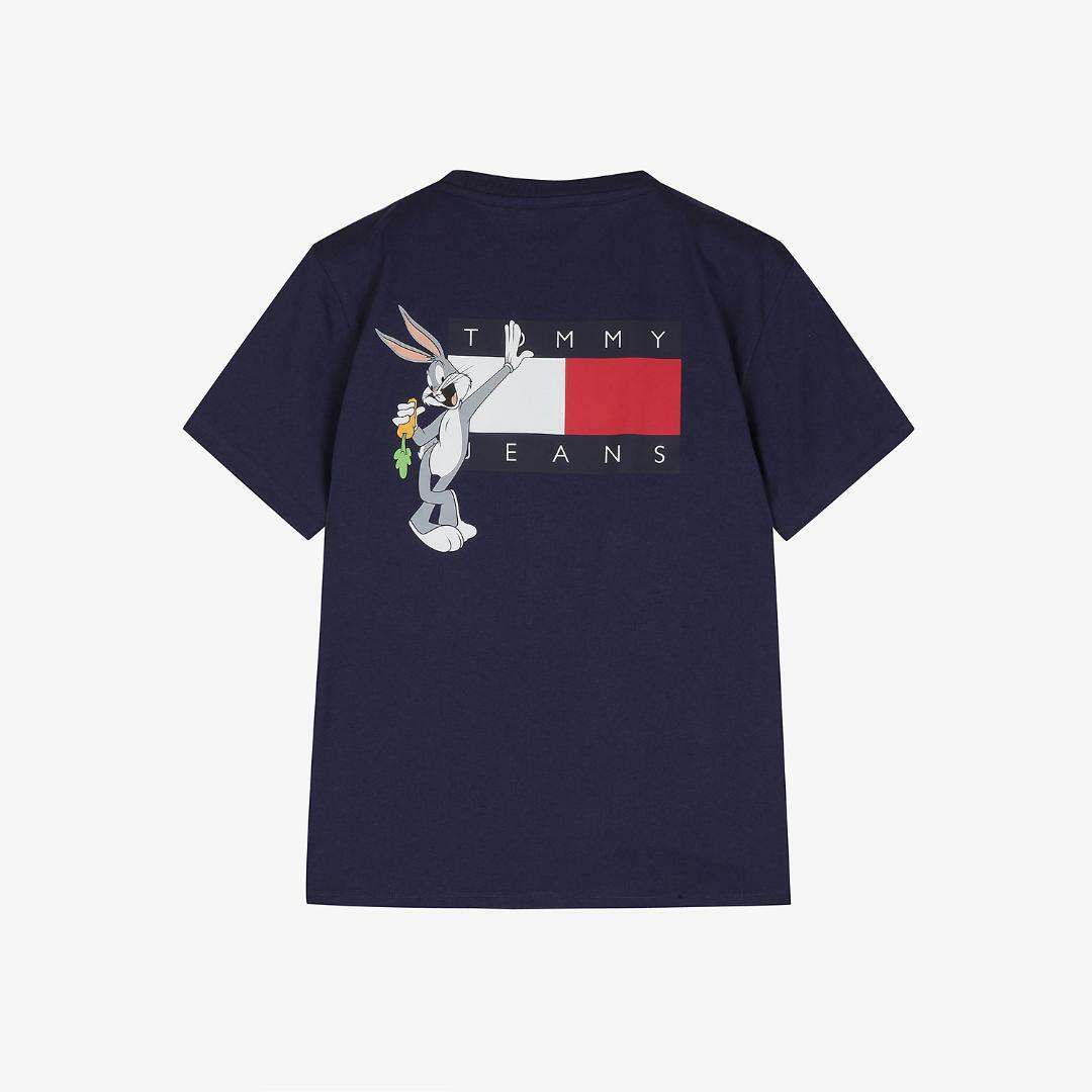 타미진스(TOMMY JEANS) [Looney Tunes Capsule] [남성] 면 루즈핏 루니튠즈 플래그 티셔츠 T32A1TTO077MT1 DW7