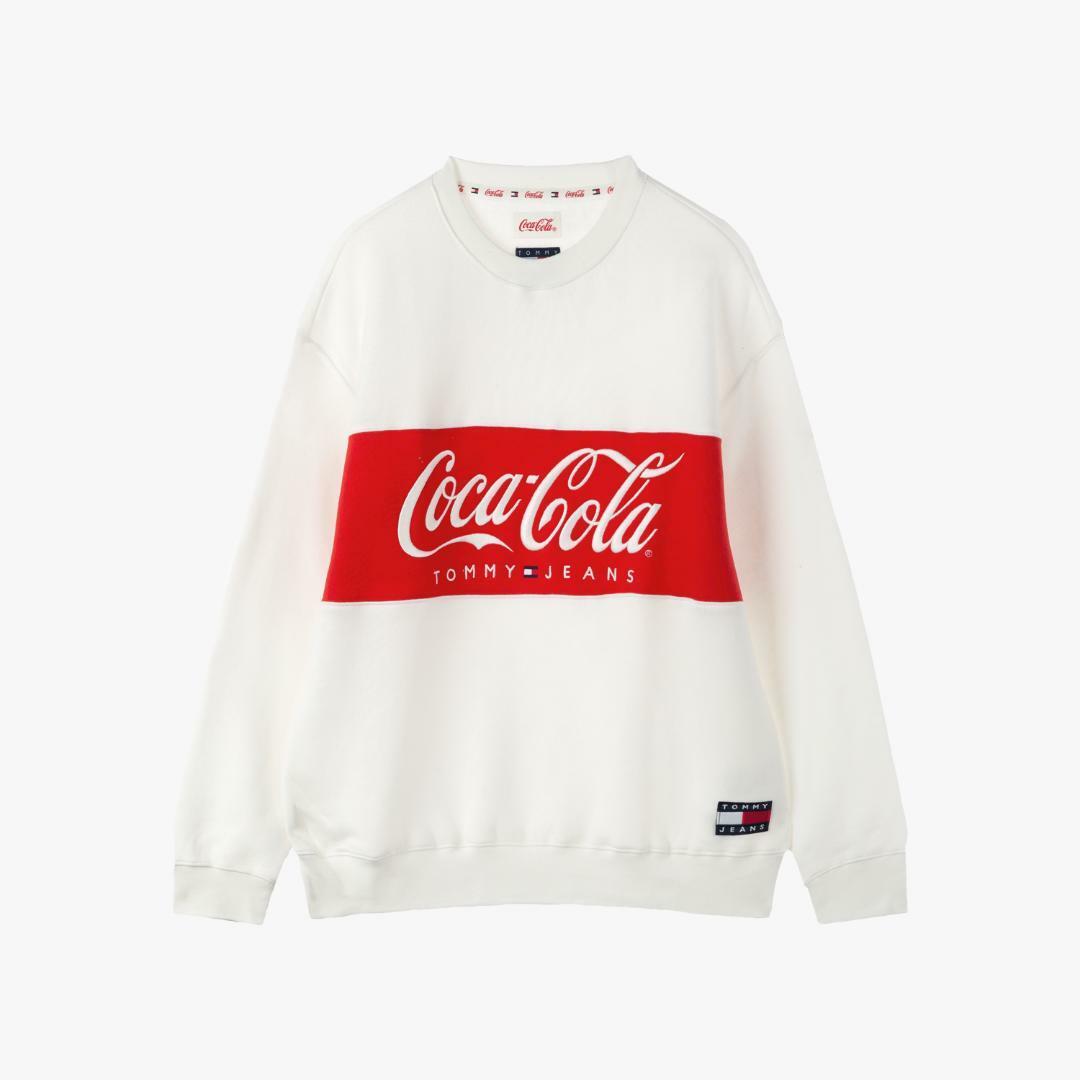 타미진스(TOMMY JEANS) [남성] 면혼방 코카콜라 로고 스웨트 티셔츠 TJMT1KOE75A0 N10