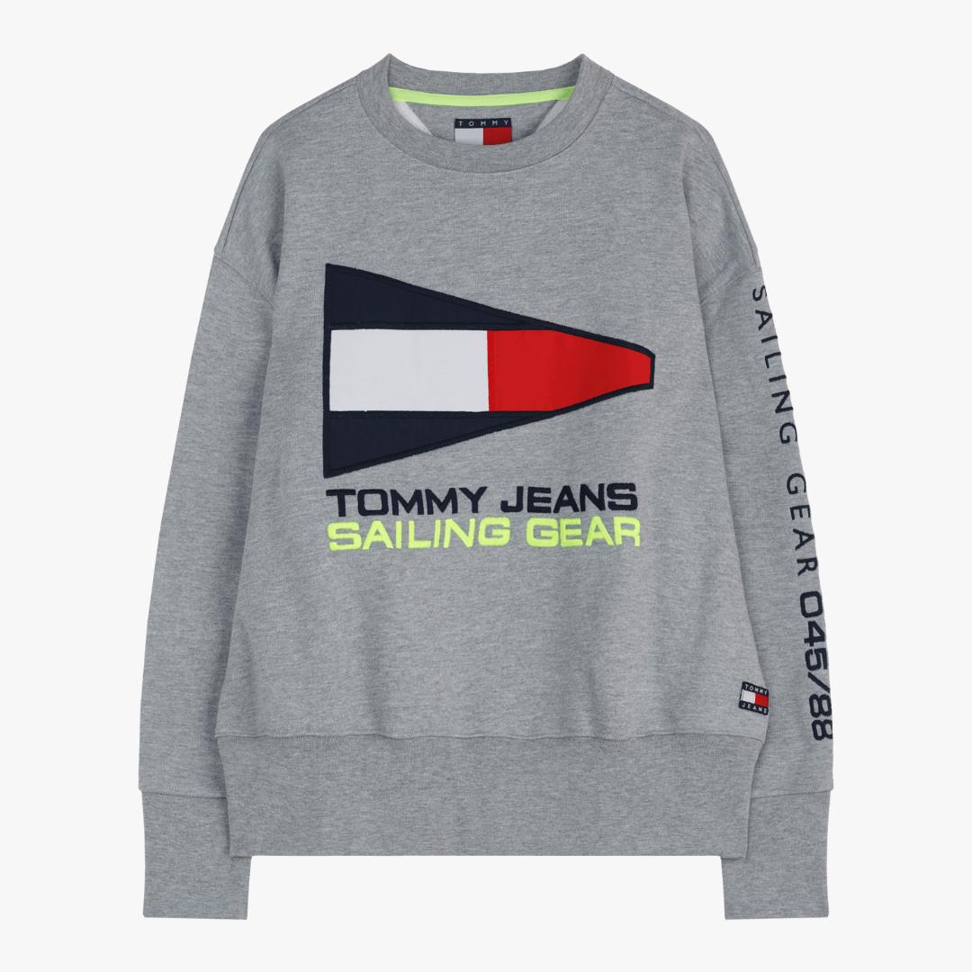 타미진스(TOMMY JEANS) [여성] 면혼방 플래그 자수 크루넥 스웨트 티셔츠 TUMS3KOE93A0 N36