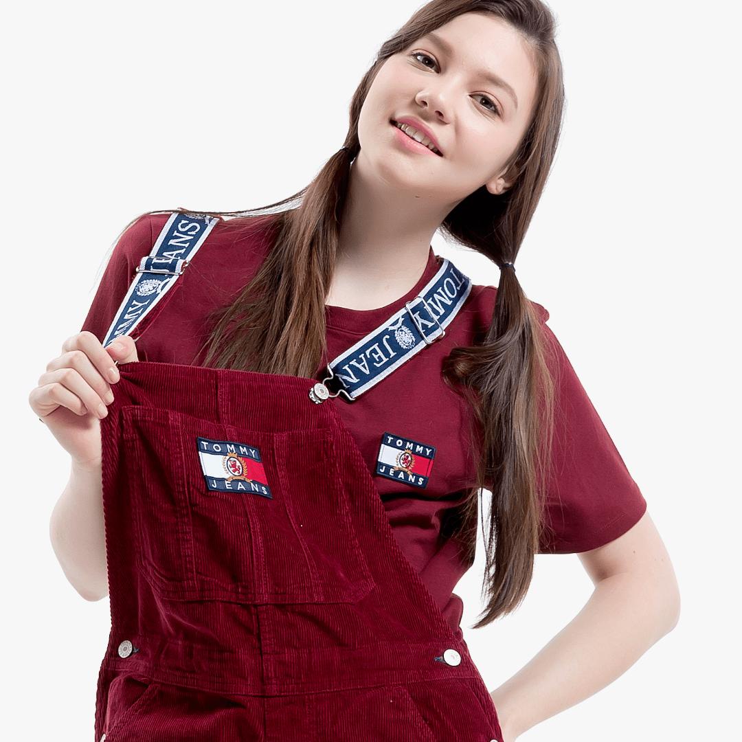 타미진스(TOMMY JEANS) [Crest Capsule] [여성] 코튼 크레스트 플래그 반소매 티셔츠 TUMT1KOE90A0 R70